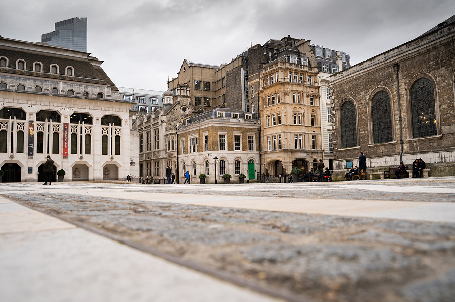 photo of guildhall yard