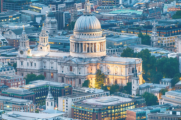 photo of st paul's cathedral in the city of london